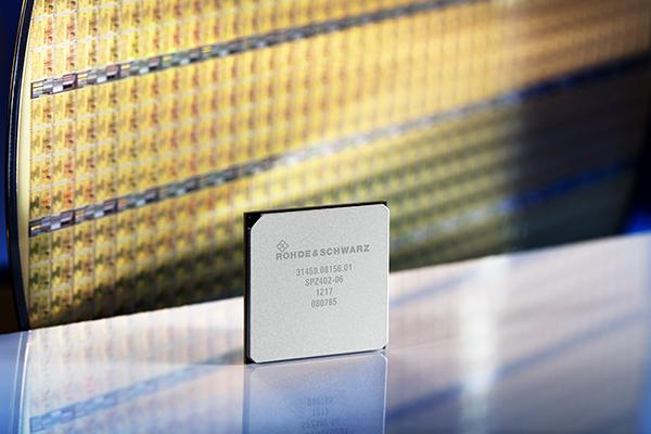 Rohde & Schwarz Analog-Digital IC